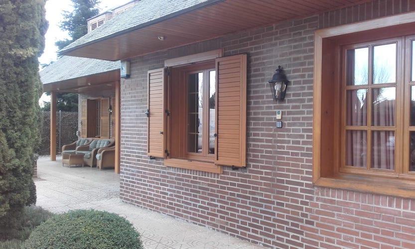 Sustitución de ventanas y mallorquinas de madera