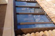 Cerramiento de Aluminio formado por techo móvil motorizado