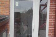 Cerramiento de entrada en PVC