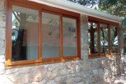 Cerramiento en PVC en imitación madera