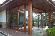 Cerramiento de PVC en imitación madera